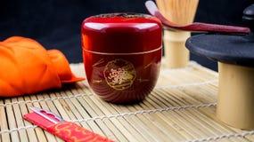红色natsume和工具 免版税图库摄影