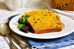 红萝卜和橙色蛋糕用巧克力 图库摄影