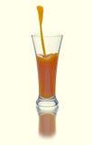 从红萝卜和苹果的汁液 库存图片