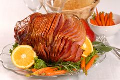 红萝卜复活节给上釉的火腿蜂蜜 库存照片