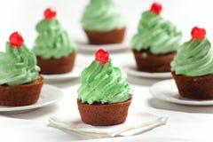红萝卜杯形蛋糕 免版税库存图片