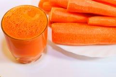 红萝卜玻璃汁液 图库摄影