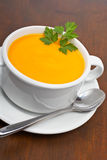 红萝卜荷兰芹纯汁浓汤 库存图片