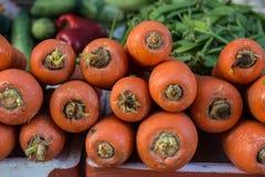 红萝卜,菜待售 库存图片