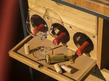 红葡萄酒瓶 免版税库存照片