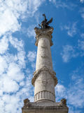 红葡萄酒, GIRONDE/FRANCE - 9月19日:与雕象o的专栏 免版税图库摄影