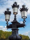 红葡萄酒, GIRONDE/FRANCE - 9月19日:到位老路灯柱 库存照片