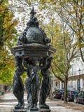 红葡萄酒, GIRONDE/FRANCE - 9月19日:四名妇女雕象我 免版税库存照片