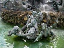 红葡萄酒, GIRONDE/FRANCE - 9月19日:对Girond的纪念碑 免版税图库摄影