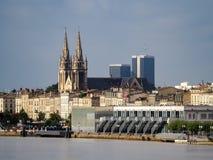 红葡萄酒, GIRONDE/FRANCE - 9月19日:横跨河的看法 库存照片