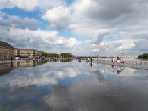 红葡萄酒, GIRONDE/FRANCE - 9月19日:Miroir d'Eau在地方 图库摄影