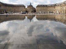 红葡萄酒, GIRONDE/FRANCE - 9月19日:Miroir d'Eau在地方 库存图片