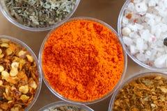 红辣椒粉末 的辣椒或剁碎干红色的辣椒粉 免版税库存照片