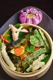 红鲷鱼鱼片在香蕉叶子wraped 免版税图库摄影