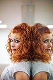 红头发人女孩画象  免版税图库摄影