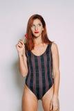 红头发人妇女的画象 免版税库存照片
