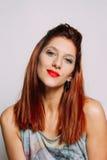 红头发人妇女的画象 免版税库存图片