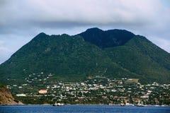 纤管火山在圣尤斯特歇斯 免版税库存照片