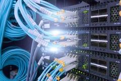 纤维光连接器接口 纤维与技术样式的缆绳服务反对光纤背景 图库摄影