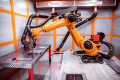 纤维激光机器人遥远的切口系统 免版税库存照片