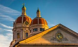 约克县法院大楼的圆顶在街市约克, Pennsylvan 库存照片