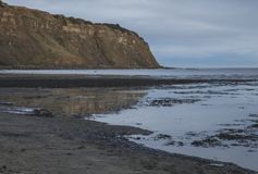 约克夏,英国,罗宾汉` s海湾-峭壁 免版税库存图片
