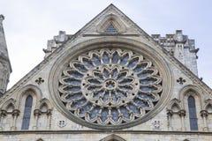 约克大教堂大教堂教会圆花窗门面  库存图片