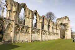 约克,英国- 3月30日: 圣母玛丽的修道院废墟。 它的constructi 库存照片