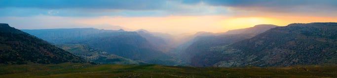 约旦达娜平衡额外宽全景的生物圈储备 免版税图库摄影