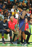约旦队美国DeAndre在行动的在小组A在里约的队美国和澳大利亚之间的篮球比赛期间2016年 免版税库存图片