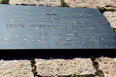 约翰・菲茨杰拉德・肯尼迪的坟茔墓碑  库存图片