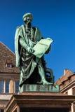 约翰内斯・谷登堡雕象在史特拉斯堡 图库摄影