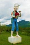 约翰尼Appleseed室外雕象  图库摄影