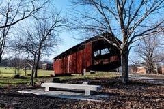 约翰明亮没有 2在俄亥俄Univ的被遮盖的桥 兰卡斯特 免版税库存照片