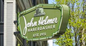 约翰赫尔默缝纫用品商人在波特兰街市-波特兰-俄勒冈- 2017年4月16日 免版税库存图片