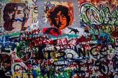 约翰・列侬街道画墙壁布拉格 库存照片