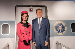 约翰・肯尼迪总统和杰基肯尼迪蜡雕象 免版税库存图片