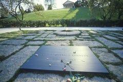 约翰・肯尼迪总统坟茔 肯尼迪,阿灵顿公墓,华盛顿, D C 库存图片