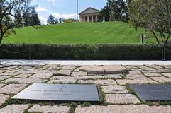 约翰・菲茨杰拉德・肯尼迪坟茔在阿灵顿公墓,美国 免版税库存照片