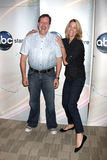约翰Altschuler &南希Carell迪斯尼& ABC电视小组夏天新闻宴会2009年 免版税库存照片