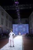 阴级射线示波器搬运工时装表演:闺房,萨格勒布,克罗地亚 库存图片