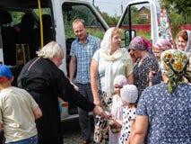 以纪念上帝卡卢加州的母亲圣徒正统象的一个祷告在Iznoskovsky区,俄罗斯的卡卢加州地区 免版税库存图片