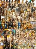 纪念品典型的商品在开罗(埃及) 库存照片