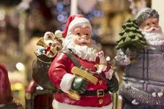 纪念品和首饰圣诞节商店在Sainte-Andr镇在匈牙利 图库摄影