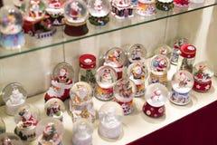 纪念品和首饰圣诞节商店在Sainte-Andr镇在匈牙利 库存照片