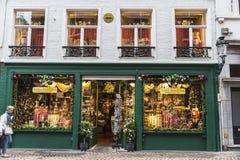 纪念品商店在布鲁日,比利时 免版税库存图片