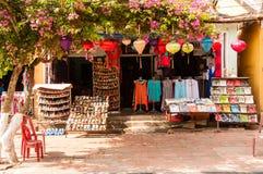 纪念品店在会安市,越南 免版税库存图片
