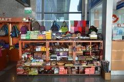 纪念品店在岘港机场在岘港 库存照片