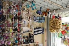 纪念品店在Kassiopi,希腊 免版税图库摄影
