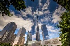 9/11纪念品看法在爆心投影的 库存图片